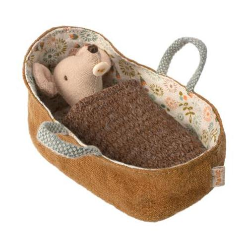 Baby muis in draagmand - Maileg